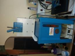Máquina de cortes para fabricar chinelos