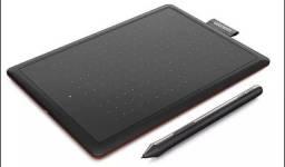 Mesa digitalizadora One by wacom pequena Ctl472 vermelha