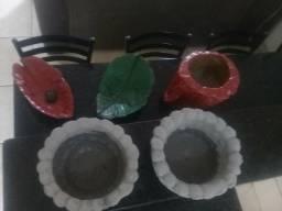 Vasos de cimento e tecido.variados