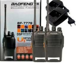 Kit 2 Radio Comunicador Walk Talk 12Km 16 Canais VHF-UHF Baofeng 777s Profissional