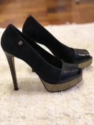 Sapato LINDO salto alto pouco usado