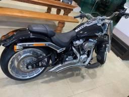 Moto Harley fat boy série 114 - 2019