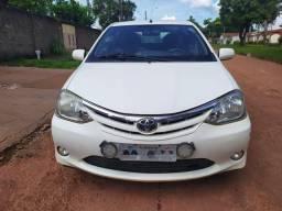 Toyota Etios sedã 2013/13 1.5 XLS - 2013