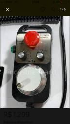 Manivela Controle Universal CNC 4 eixos com Botão de Emergência.