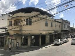 Aluguel de apartamento e lojas