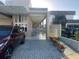 R$ 620.000 Simular financiamento Casa mobiliada no Green Club 1 com 215m²