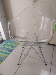 Cadeira acrílica com braço