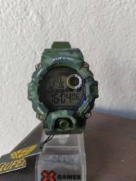 Relógio modelo G-Shock camuflado