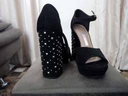 Sapato alto número 37