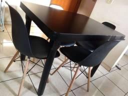 Título do anúncio: Mesa com 4 cadeiras Eiffel