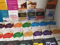 Título do anúncio: 150 Livros de Direito - Lote de livros por preço pequeno !!!