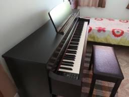 Piano digital Yamaha Clavinova CLP-645 (estado de novo)