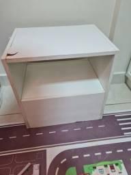 Título do anúncio: Mesa pequena de madeira