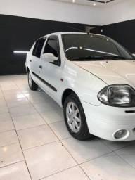 Título do anúncio: Renault clio sedan 1.6 completo 2002