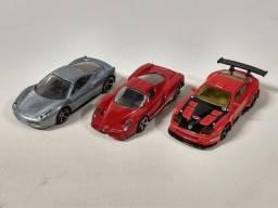 Título do anúncio: Lote 3 Hotwheels Ferrari Raro!