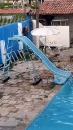 Escorrego para piscina
