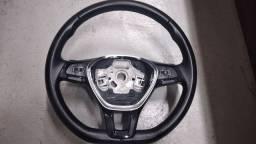 Vendo volante com comandos de som e pedal shift
