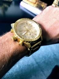 Relógio Nixon gold