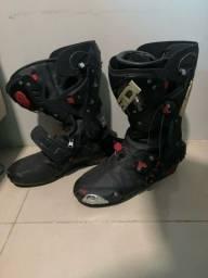Título do anúncio: Kit macacão, bota e luva de moto