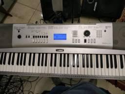 Teclado Yamaha DGX 230 Portable Grand