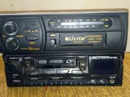 Rádio antigo toca fitas