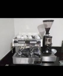 Máquina de café italian coffee + moedor de graos