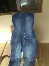 Macacão jeans número 44