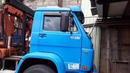 Caminhão munck VW 17-210 - 2004