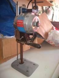 Máquina de corte para costura