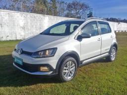 VOLKSWAGEN CROSSFOX 1.6 MI FLEX 8V 4P MANUAL. - 2015