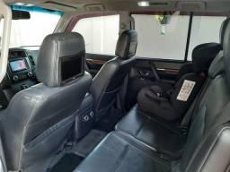 Vende-se ou troca-se por carro de menor valor Pajero Full - 2008