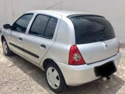 Renault Clio 1.0 Flex 4 portas 2011 - 2011