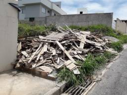 Doação de madeiras de construção em Itabirito-MG