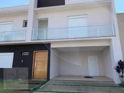 Sobrado com 3 dormitórios à venda, 290 m² por R$ 1.530.000,00 - Condomínio Dona Lucilla -