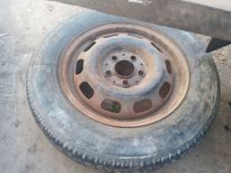 Jogo de roda de ferro da Mercedes valor r$ 300 só as rodas sem os pneus