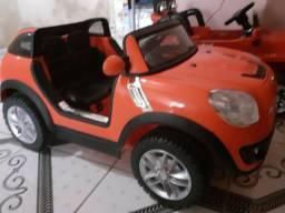 Carro elétrico semi novo