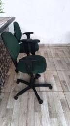 Cadeiras usadas Black sisten