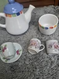 Título do anúncio: Kit antigo de porcelana para chá ou café - desapego