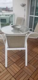 Conjunto de 6 cadeiras mesa e puf..
