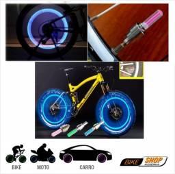 Par de Luzes LED para Capa de Válvula de Pneu Carro - Motocicleta - Bicicleta