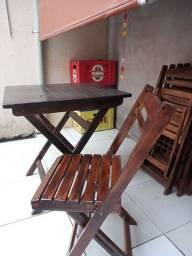 Jogo cm 4 cadeiras e uma mesa 350