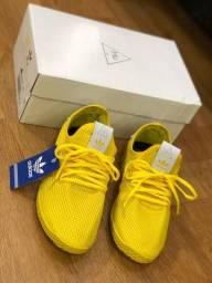 Título do anúncio: tênis masculinos adidas pharrell williams amarelo nº 40