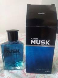 Título do anúncio: Vendo perfume Musk intense