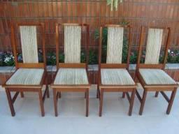 Conserto de Cadeiras de Madeira