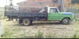 Vendo caminhão ótimo Estado de conservação