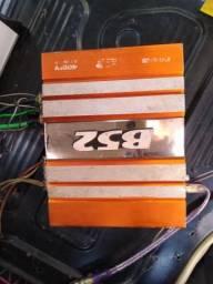 Vendo força BK2 400 W. Dois canais
