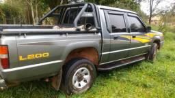 Camioneta L200 , diesel, motor com defeito, leia - 1999