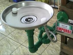 Chuveiro e Lava Olhos de Emergência