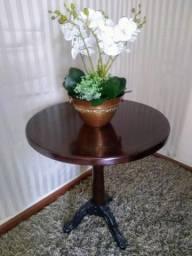 Mesa com pés Luiz Xv