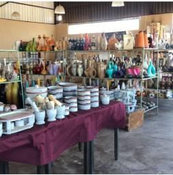 Estoque de artesanato, cerâmicas, esculturas